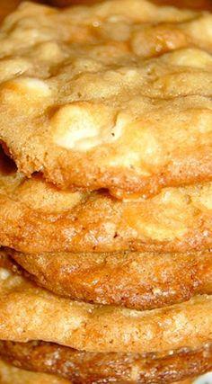 Toffee Cookies, Cookie Brownie Bars, Cookie Desserts, Yummy Cookies, Just Desserts, Cookie Recipes, Delicious Desserts, Dessert Recipes, Yummy Food