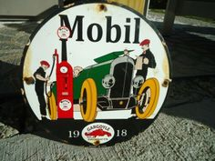 Porcelain Gas Sign for sale Vintage Oil Cans, Pompe A Essence, Oil Service, Old Gas Stations, Porcelain Signs, Texaco, Decorative Signs, Gas Pumps, Oil And Gas
