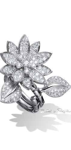Lotus Between the Finger ring, Gold - - Van Cleef & Arpels. The Between the Finger Ring. Van Cleef Arpels, Van Cleef And Arpels Jewelry, Matching Wedding Band Sets, Types Of Diamonds, Thin Gold Rings, Promise Rings For Couples, High Jewelry, Jewellery, Jewelry Rings