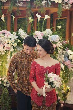 Kebaya Lace, Kebaya Brokat, Dress Brokat, Kebaya Dress, Batik Kebaya, Batik Dress, Braids Maid Dresses, Modern Kebaya, Indonesian Kebaya