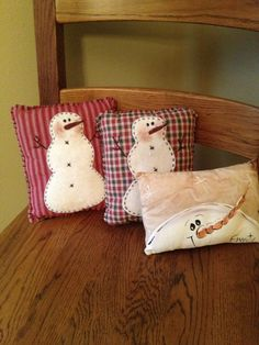 some of my snowman pillow collection Christmas Sewing, Christmas Pillow, Primitive Christmas, Rustic Christmas, Christmas Snowman, Winter Christmas, Christmas Ornaments, Snowman Crafts, Christmas Projects