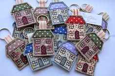 I've been busy this week making key rings decorated with freehand machine embroidery. They will be going to the shops I stock. Handmade Bo...
