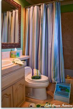 kids bathroom via Little Crown Interiors