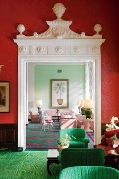 <strong>BRIGHT THINKING</strong> | Dorothy Draper's signature red-and-green palette in the Greenbrier's Lobby Bar.