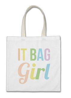 http://www.zazzle.fr/it_bag_girl_sac_fourre_tout-149103441866681643