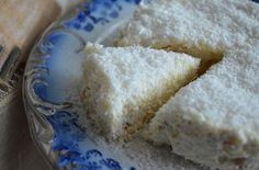 ένα γλυκάκι που θα λατρέψετε, γιατί γίνεται πολύ γρήγορα και είναι πολύ εύκολο. σαν..ραφαέλο (γλυκό με μπισκότα και ινδοκάρυδο) υλικα 1 γάλα ζαχαρούχο 1 φυτική κρέμα γάλακτος 3 τεμάχια κρέμα στιγμής 1 λίτρο φρέσκο γάλα 2 πακέτα μπισκότα πτι μπερ 250 γρ. ινδοκάρυδο Α!