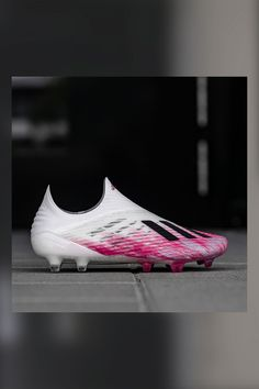 Adidas Soccer Boots, Soccer Shoes, Soccer Cleats, Cool Football Boots, Football Shoes, Turf Shoes, Boots Store, James Rodriguez, Adidas Predator