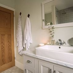 Before and after pictures of our UK house bathroom renovation. Looking for ideas for your bathroom renovation? Come on in - what to expect, inspiration, product sourcing and more. Howdens Kitchens, Galley Kitchens, 1930s Bathroom, Retro Bathrooms, Small Bathroom, Bathroom Ideas, 1930s House Renovation, Renovation Budget