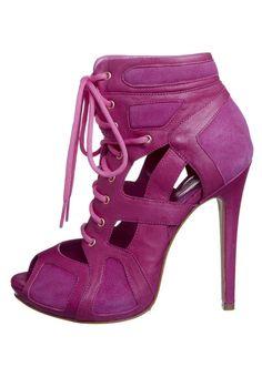 Peeptoes - Roze Mcqueen, Peeps, Hot Pink, Peep Toe, Amazing, Shoes, Fashion, Moda, Zapatos