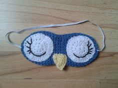 Bits & Bobbles : Crochet Owl Sleep Mask Pattern  I'm making this to be a blindfold :)
