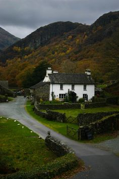 Yew Tree Farm, Lake District, England by Aidan Mincher  When you see photos like this, it's easy to see why Beatrix Potter was drawn to t...
