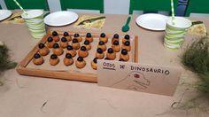 Cumpleaños de dinosaurios: ojos de dinosaurios (croquetas con aceituna negra)