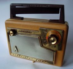 ADMIRAL Portable Transitorradio model 237 (USA 1957) by MarkAmsterdam, via Flickr