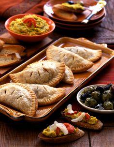 Empanadas are the perfect finger food for your tapas tasting! Chefs, Antipasto, Brunch, Small Plates Restaurant, Pork Empanadas, Empanadas Recipe, Tapas Party, Think Food, Snacks