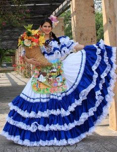 Traditional dress from Honduras Traditional Mexican Dress, Traditional Dresses, We Are The World, People Of The World, Quince Dresses, 15 Dresses, Color Splash, Ballet Folklorico, Mexico People