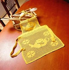 Home Decor Crochet Patterns Part 92 - Beautiful Crochet Patterns and Knitting Patterns Filet Crochet, Crochet Lace Edging, Crochet Top, Knitting Patterns, Crochet Patterns, Crochet Home Decor, Crochet Kitchen, Crochet For Boys, Beautiful Crochet