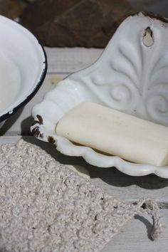 Enamel soap dish.