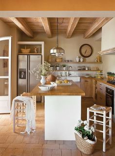 New Kitchen Colors Warm Floors 46 Ideas Rustic Kitchen, Country Kitchen, New Kitchen, Kitchen Decor, Summer Kitchen, Kitchen Ideas, Awesome Kitchen, Kitchen Themes, Kitchen Inspiration