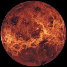 Venus es el segundo planeta desde el Sol. Es el objeto más brillante del cielo, después del Sol y la Luna. A este planeta se le llama el lucero del alba cuando aparece por el Este al amanecer y el lucero de la tarde cuando está situado al Oeste al atardecer. Debido a las distancias de las órbitas de Venus y la Tierra desde el Sol, Venus no es visible nunca más de tres horas antes del amanecer o tres horas después del ocaso.