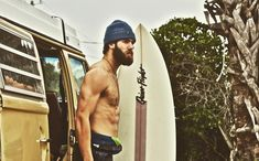 Meet the pro baseball player who lives in a van - Toronto Blue Jays pitcher Daniel Norris opts for life on four wheels Vw Bus, Volkswagen Westfalia Campers, Vw Camper, Toronto Blue Jays, Pro Baseball, Baseball Players, Baseball Equipment, Baseball Bats, Baseball Field
