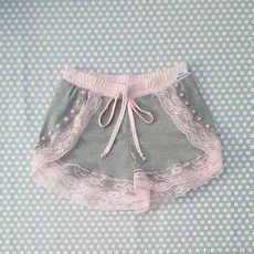Lingerie Sleepwear, Sexy Lingerie, Ropa Shabby Chic, Bridal Undergarments, Older Women Fashion, Womens Fashion, Diy Bralette, Cute Pjs, Culottes