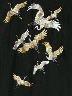 japanese kimono embroidery Embroidery Tattoo, Bird Embroidery, Beaded Embroidery, Embroidery Designs, Embroidery Stitches, Japanese Crane, Japanese Fabric, Japanese Patterns, Japanese Textiles