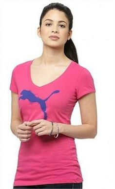 Camiseta Puma Women s Cat Graphic V-Neck T-Shirt Beetroot Purple 830451-05 941dff2b119eb