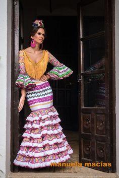 Colección de trajes de flamenca 2015 - Manuela Macías Moda Flamenca Flamenco Costume, Flamenco Skirt, Flamenco Dresses, Spanish Dress, Gypsy, Spanish Fashion, Dance Outfits, Boy Fashion, Dress To Impress