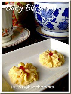 Old School Of Cookies That Bring Fond Memories– Daisy Biscuits, Biskuit Semperit, Biskuit Dahlia, 挤花饼干#guaishushu