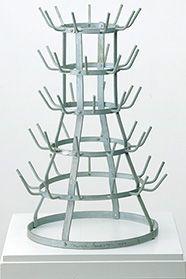 Marcel Duchamp: Porte-Bouteilles (Flaschentrockner), Ready-Made: Stahl, verzinkt, 1964 (Replik des Originals von 1914, angefertigt unter der Aufsicht von M. Duchamp), Inv. Nr. P 993, Staatsgalerie Stuttgart © Succession Marcel Duchamp / VG-Bildkunst, Bonn