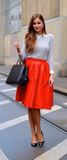 Ruby Red metallic knee length skirt | Mode-sty