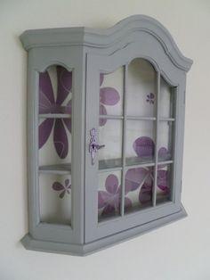 Marly Design: Wandkastje pimpen / Renovate a little wardrobe