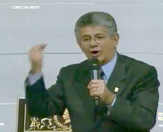 En una excelente alocución como Presidente de la Asamblea Nacional de Venezuela, Henry Ramos Allup critico duramente al presidente Maduro por el decreto de suspención de garantías y de un tacito estado de excepción, en su ponencia del dia 17 de Mayo 2016