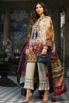 Fashion Ramp Pakistan Fashion Shows, Pakistani Fashion Weeks Pakistani Fashion Casual, Pakistani Formal Dresses, Pakistani Wedding Outfits, Pakistani Dress Design, Eid Dresses, Fashion Dresses, Women's Fashion, Fashion Design, Stylish Dress Designs