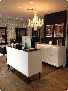 Incredible diy reception desk ideas 28 Salon Reception Desk, Reception Desk Design, Reception Furniture, Office Reception, Reception Counter, Beauty Salon Design, Salon Interior Design, Beauty Salons, Beauty Studio