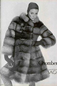 1966 Style Vintage Winter, Vintage Coat, French Fashion, Vintage Fashion, Retro Fashion, White Fur, Black And White, Twiggy, Furs