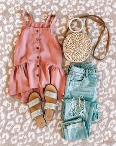 T-Shirt Cropped e Short - T-Shirt Cropped e Short Cute Summer Outfits, Cute Casual Outfits, Spring Outfits, Summertime Outfits, Casual Summer, Bild Outfits, Fashion Outfits, 80s Fashion, Chubby Fashion