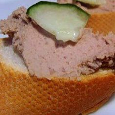 Easy chicken liver pate recipe for Xmas Entertaining Easy Chicken Liver Pate Recipe, Duck Liver Pate Recipe, Pate Recipes, Liver Recipes, Cooking Recipes, Charcuterie, Chopped Liver, Tasty, Snacks