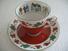 Norwegian folk art style teacup made by Porsgrund Porcelain.  I  like this pattern.