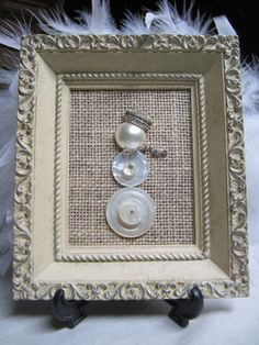 Framed button snowman using vintage buttons by DeesBitSnPieCEs