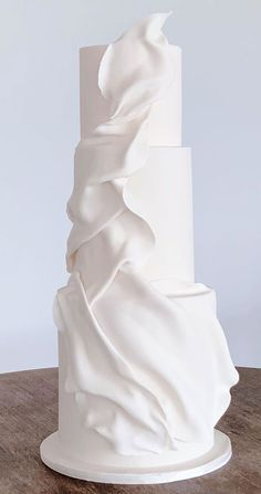 Take a look at the most creative wedding cake designs for a sweet and unique dessert table come your big day. Fondant or Buttercream? Creative Wedding Cakes, Cool Wedding Cakes, Wedding Cake Designs, Wedding Themes, Wedding Colors, Wedding Decorations, Wedding Goals, Wedding Beauty, Wedding Planning
