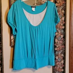 WOMEN'S TOP Cute top with jeans. 60 % POLYESTER 35 % RAYON  5% SPANDEX. SIZE  3X. GOOD CONDITION. CANDY RAIN PLUS Tops Blouses