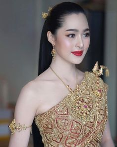 most beautiful woman in asian 7 Traditional Thai Clothing, Traditional Fashion, Traditional Dresses, Beautiful Hijab, Beautiful Asian Girls, Most Beautiful Women, Beauty Full Girl, Beauty Women, Thai Fashion