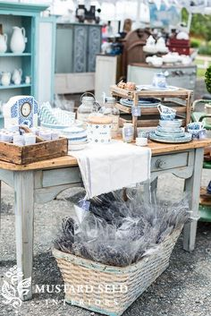 tips on styling a retail space - Miss Mustard Seed Antique Booth Displays, Antique Mall Booth, Antique Booth Ideas, Vintage Display, Antique Stores, Vintage Store Displays, Gift Shop Displays, Craft Show Displays, Retail Displays