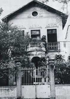 Machado de Assis - Memorial do Bruxo rua do Cosme Velho, 18, onde permaneceria até o final da vida.