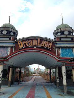 Abandoned theme park Nara Dreamland Entrance [OC] [480x640]