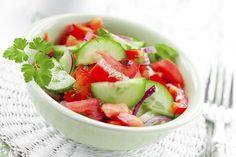 Todas las frutas y verduras son alimentos ligeros y nutritivos que no deben faltar en nuestra dieta diaria si queremos cuidar la salud, pero si buscas lograr...