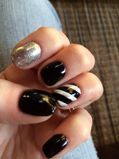Black, white, silver gel polish. Shellac nails. Metallic gel polish. Silver glitter. Stripes. Nail designs. Gel polish designs.