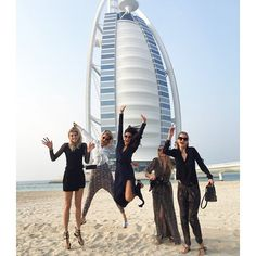 Pin for Later: This Is How the Fashion Crowd Does Dubai  Obviously everyone brought their cutest outfits and maxi dresses.