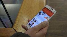YouTube kännykässä. Mobiilivideoiden katselu on yksi eniten dataa vaativia puhelimen käyttötarkoituksia.